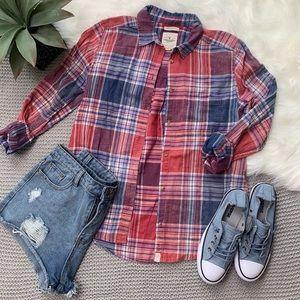 American Eagle boyfriend fit plaid shirt red blue